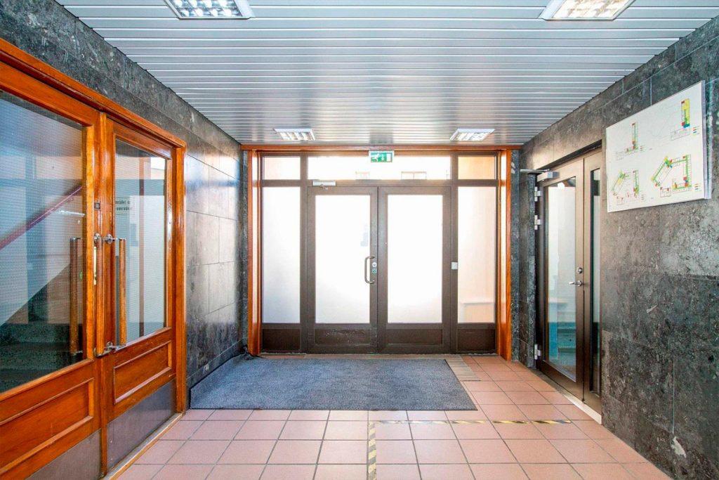 bratsberg-storgata-159-inngangsparti-